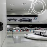 Por su aniversario 70º, PORSCHE inaugura exposición de autos deportivos