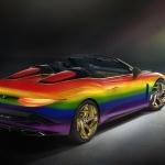 Bentley Mulliner Bacalar se viste con los colores del arcoíris para expresar esperanza frente al coronavirus